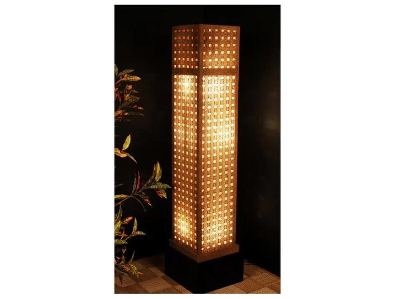 Corrugated floor lamp