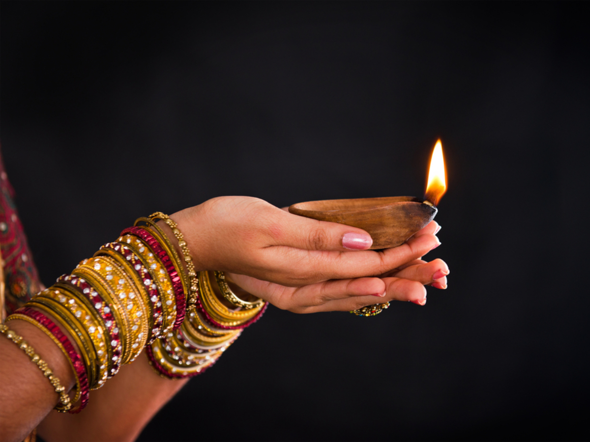 Happy Diwali 2018: Wishes, Messages, SMS, Quotes, Greetings, Card, Images, Photo, Wallpaper, Pictures, Pics