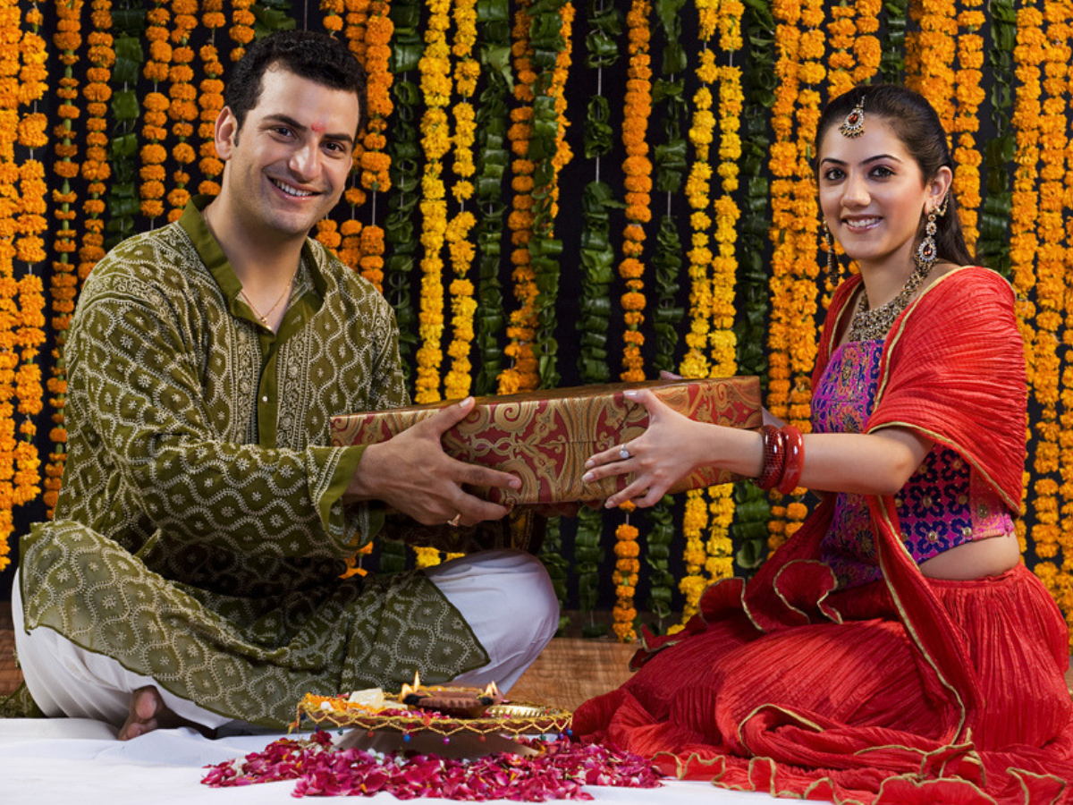 Bhai Dooj gift ideas for brothers and sisters