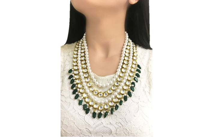 A multi-layered necklace