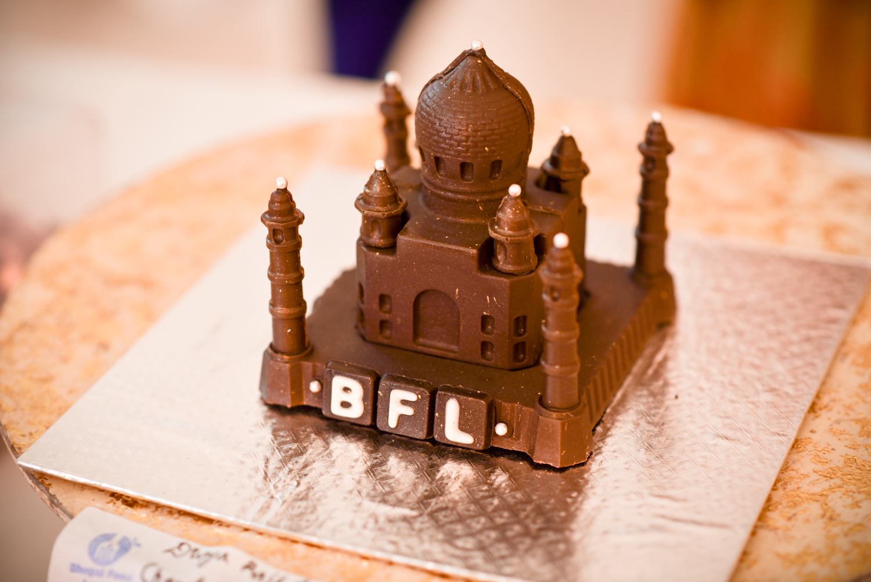 Divya Rajput- Chocolate Tajmahal
