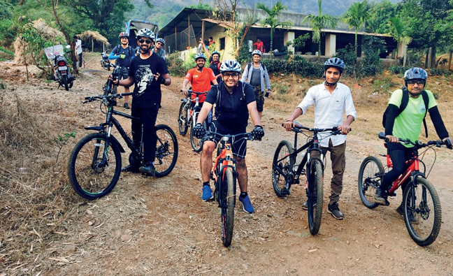 Cyclists from a previous ride organised by Saideep Dhondge