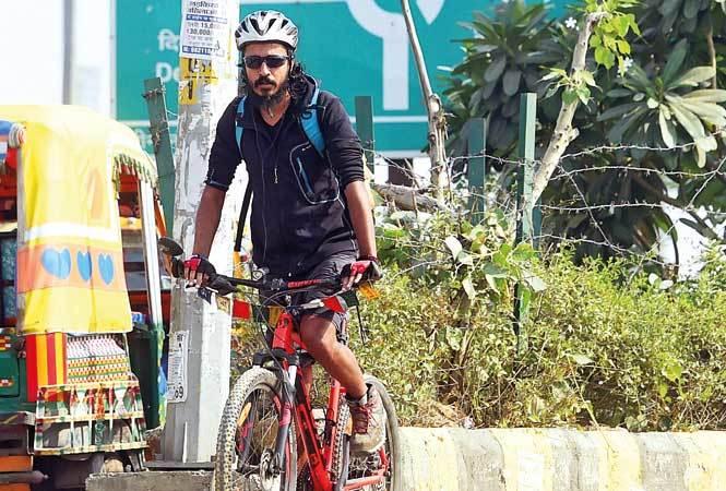 Noida--Cycling-RAN_3862