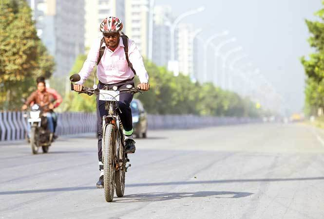 Noida--Cycling-RAN_3727