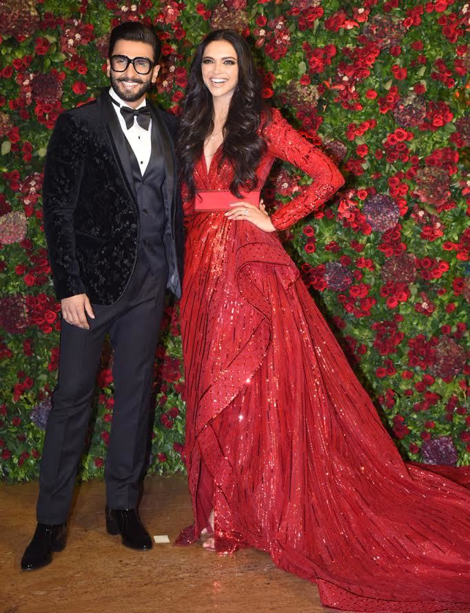 af6d2941cc4 Deepika Padukone and Ranveer Singh make a dazzling entry at their wedding  reception