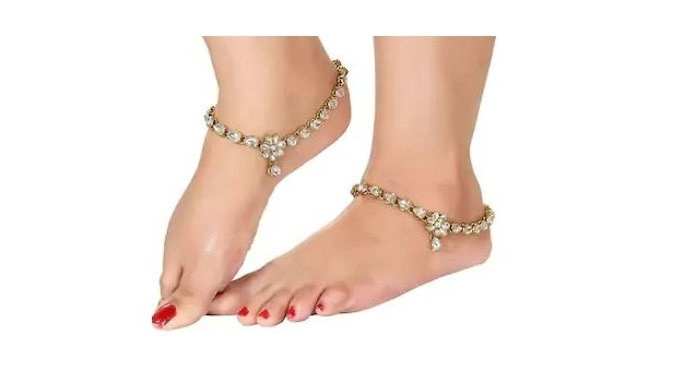 Etnico Traditional Gold Plated Kundan Anklets