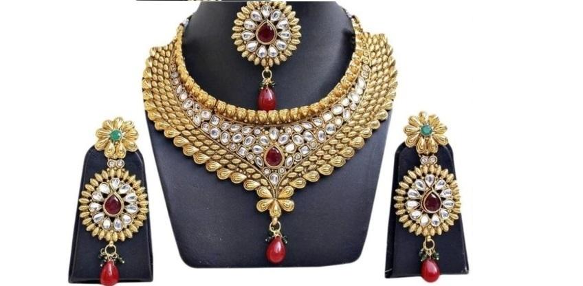 Jewels Guru Exclusive Partywear Kundan Studded Multicolor Bridal Necklace Set With Maang Tikka
