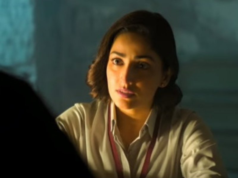 Yami Gautam grills a suspect to get more information in the trailer