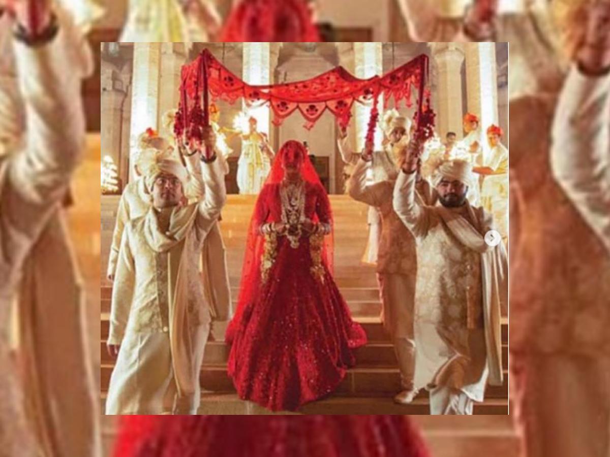 Priyanka Chopra Hindu wedding red lehenga photos images pictures marriage