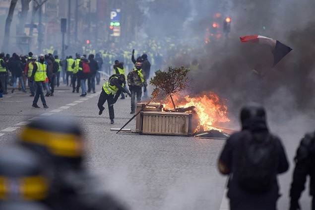 paris protest 123