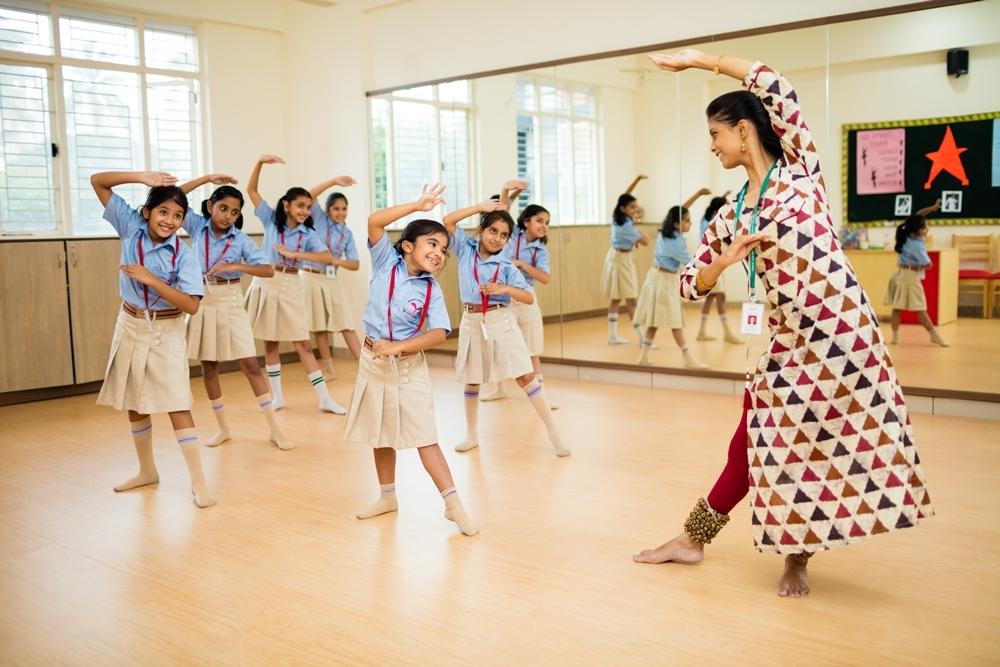 2_TheHDFCSchool_Dance