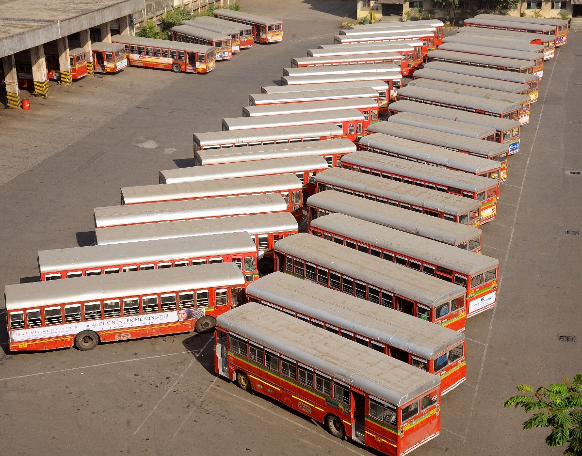 Mulund bus depot on second day of BEST strike. Photo by Sanjay Hadkar/ BCCL