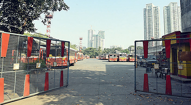 Buses parked at Oshiwara depot; not a single BEST bus plied on the roads yesterday, inconveniencing lakhs of commuters