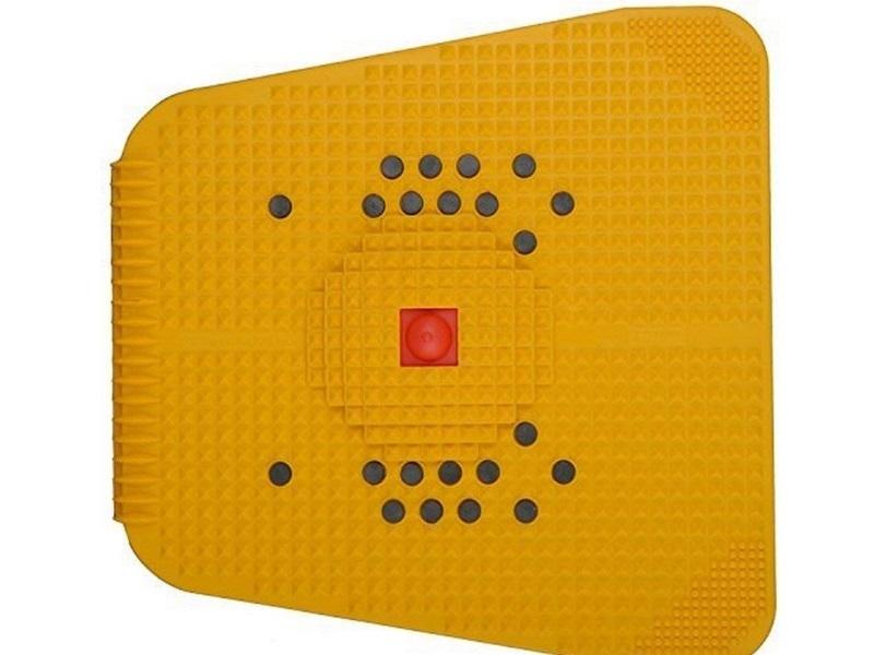 Chaithanya Orthopaedics Powermat 2000 Acupressure Magnet Pyramids