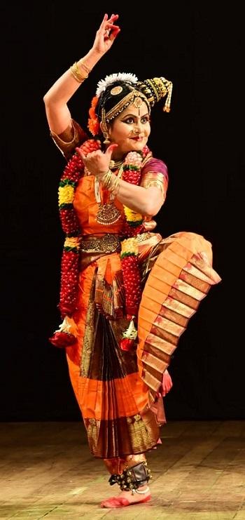 CA Subhashni Giridhar 2.