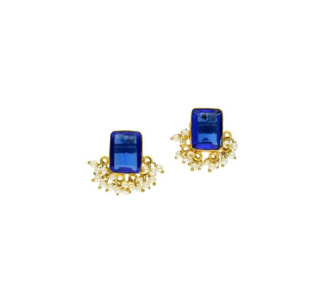 37% off on golden alloy stud earrings
