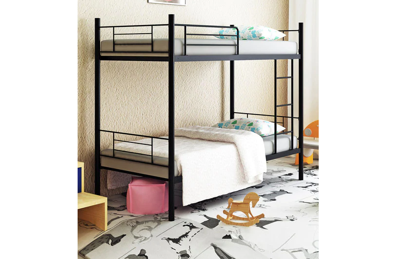 Minimal and simple bunk beds for a clutter free kids room