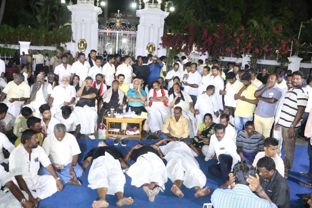 narayanaswamy_night protest
