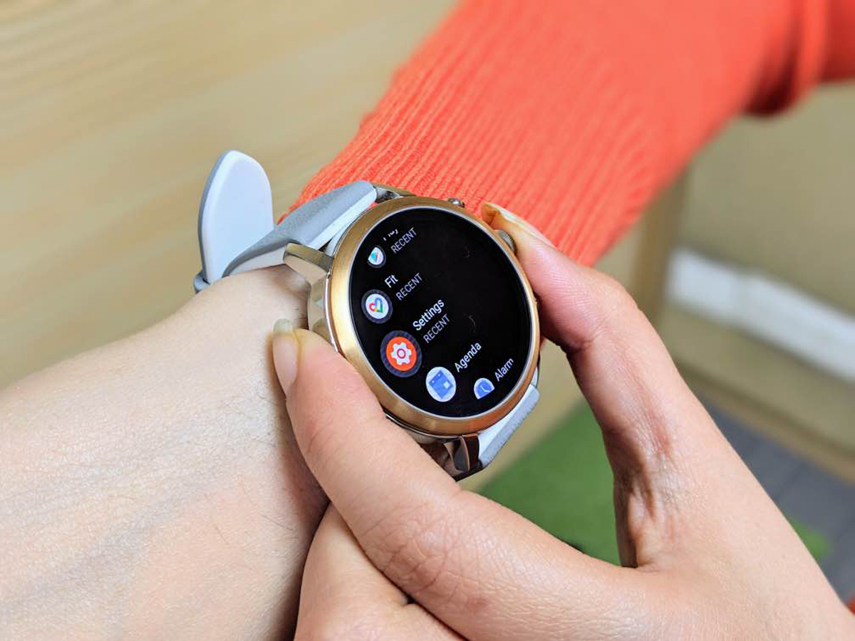 fossil smartwatch review: Fossil Q Venture HR review: More