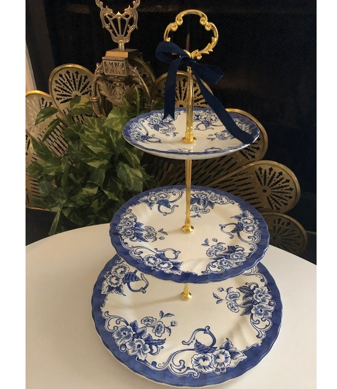 Three-tier porcelain cake stand