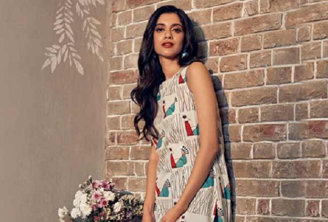 Up to 75% off on women's ethnic wear