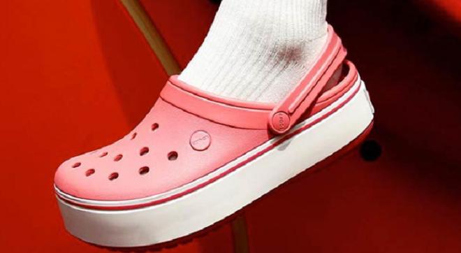 Flat 40% off on Crocs men's footwear