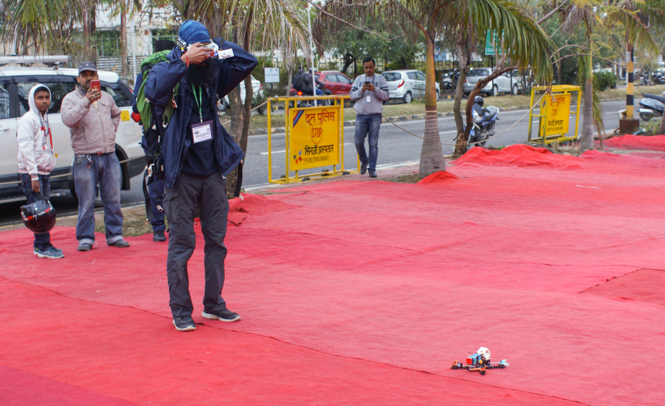 Participants gearing up for drone competitions_display (2)