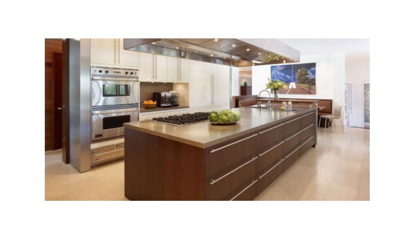 Inbuilt kitchen island as the main countertop