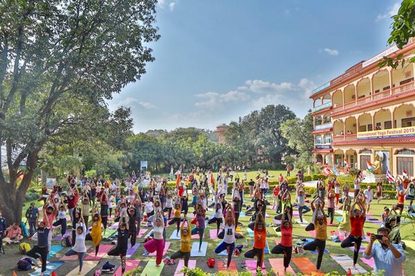 PRIMARY - Yoga Class (2)