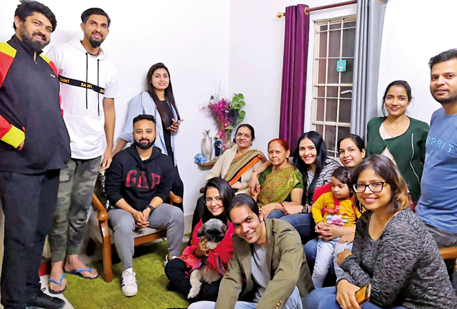 Prashanti Singh with family and friends (BCCL)