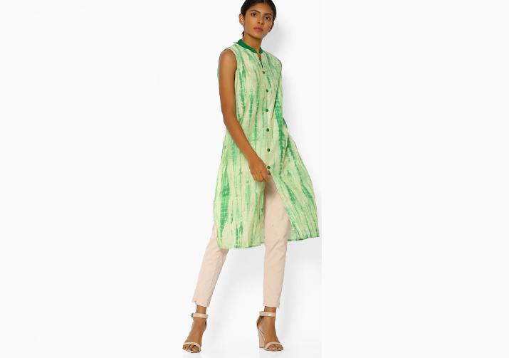 Tie dyed green sleeveless kurti in chanderi
