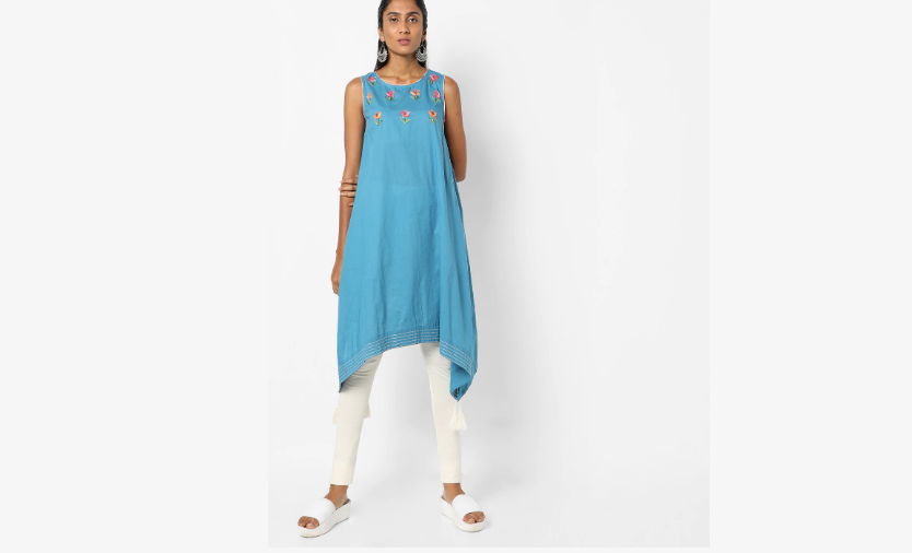 Blue sleeveless kurti