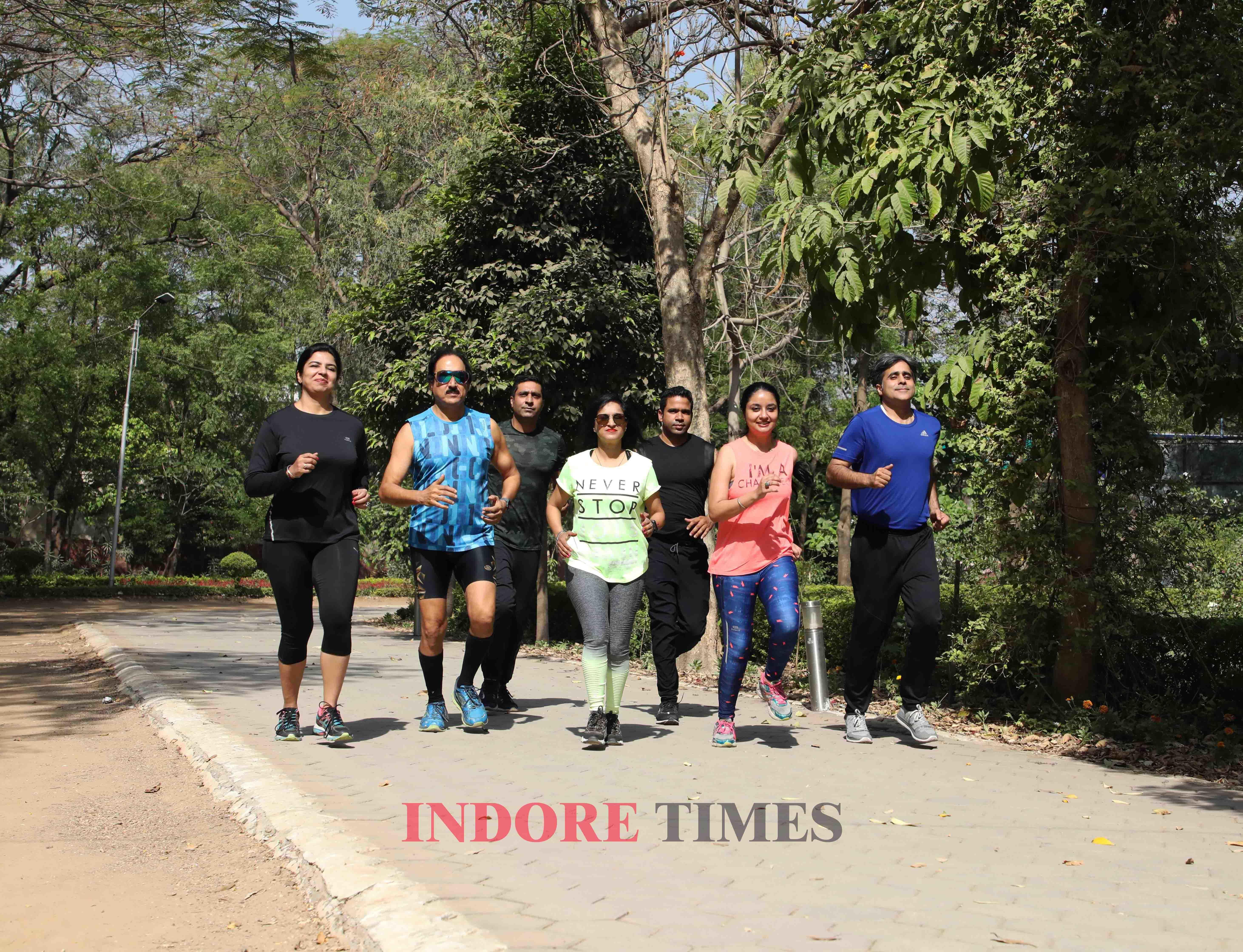 Surbhi Choudhary, Aarti Maheshwari, Neeraj Bhansali, Chandresh Jhurani, Arun Agrawal , Nidhi and Rohit Juneja (4)_edit