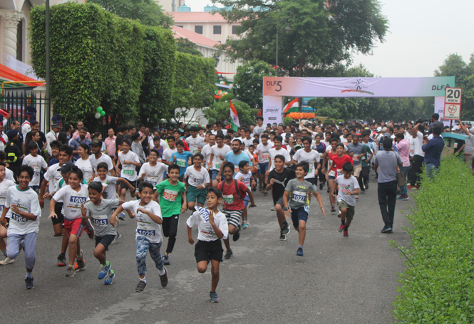 Over-1200-residents-participated-in-the-6th-edition-of-the-Freedom-Run-organized-by-DLF5-(2)