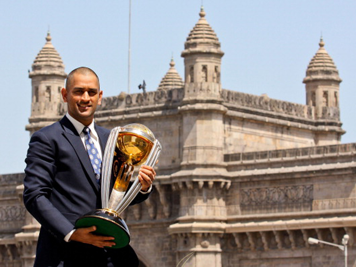 Dhoni-WC2011-getty-images