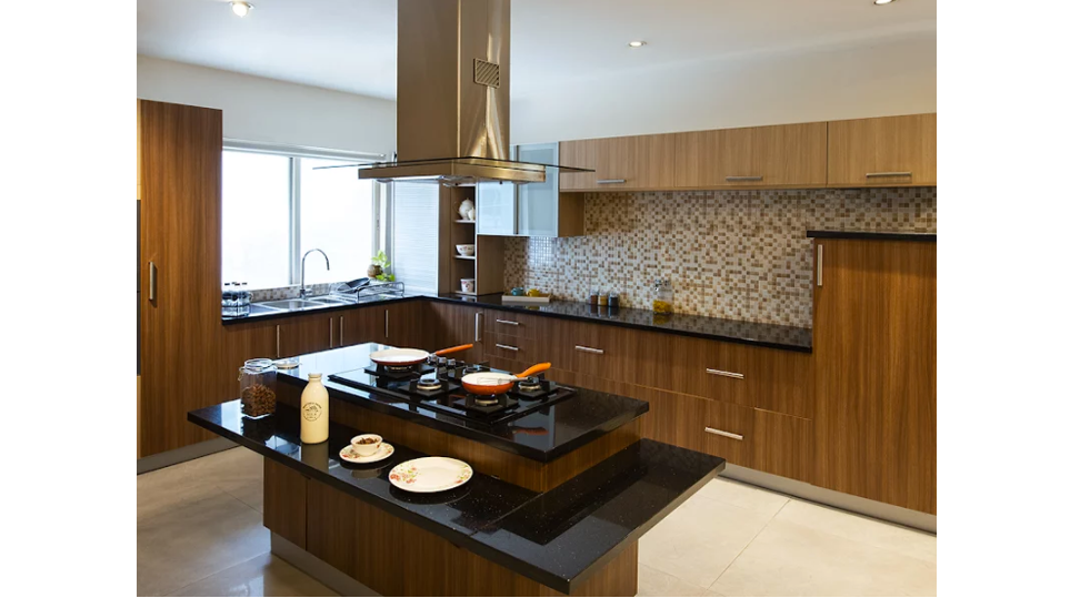 Wooden theme kitchen in L-shape