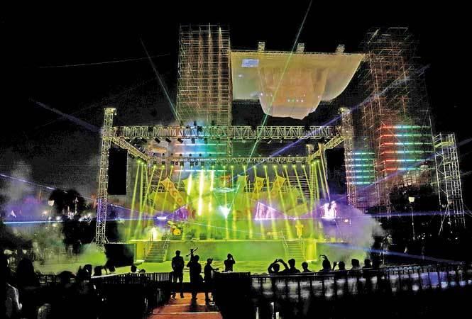 P1-connaught-place-laser-show-NIS-22