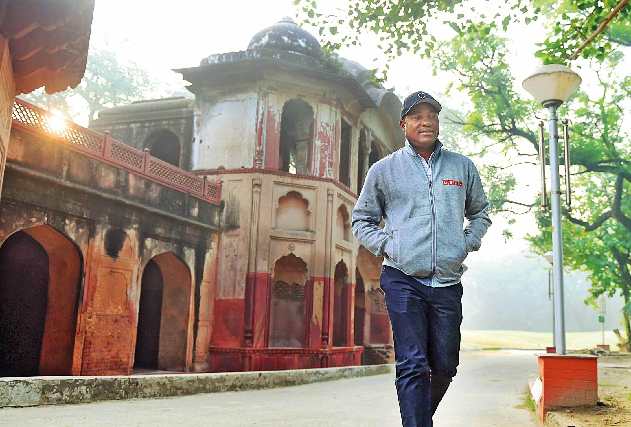 Beating the Field: Legendary cricketer Brian Lara at Delhi Golf Course
