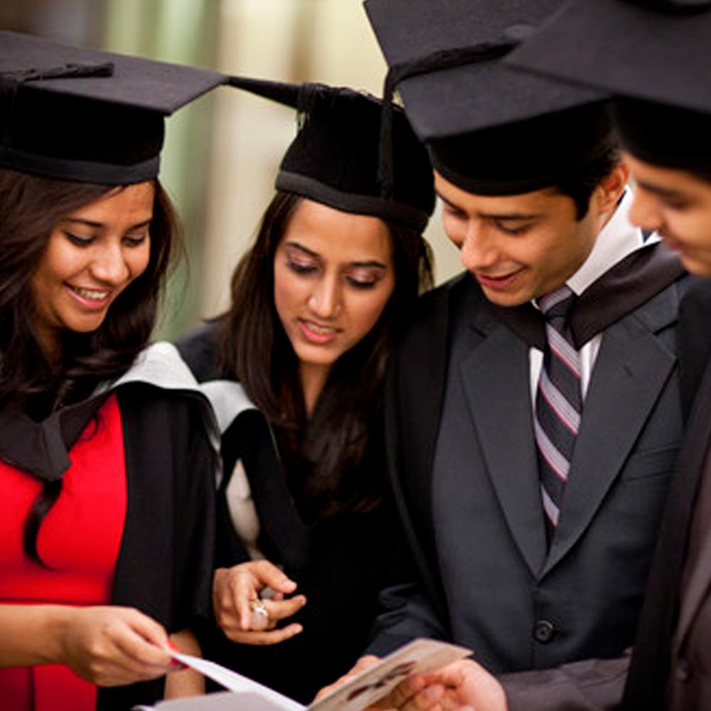 Indian_Students_UK_00340_1000x1000