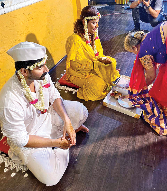 The haldi ceremony of Yogita and Akshay was held on Thursday evening