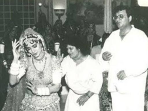 File Photo - From the sets of Khalnayak. Saroj Khan with Madhuri Dixit and Subhash Ghai.