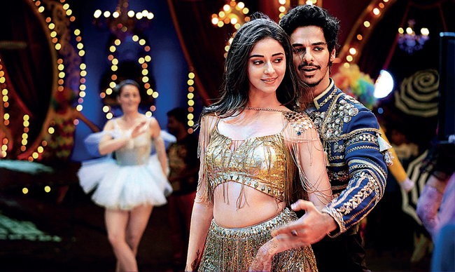 Ananya Panday and Ishaan Khatter in 'Duniya Sharma Jayegi' from Khaali Peeli