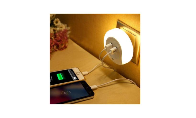 LED night light with sensor
