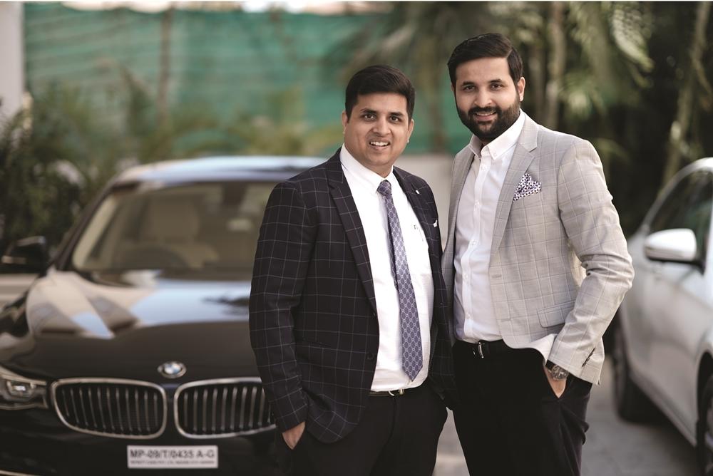 (Rajat Jain & Mohit Jain, Co-Founders & Directors, Pataa)
