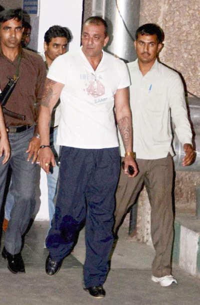 Big B, Sanju meet Amar Singh