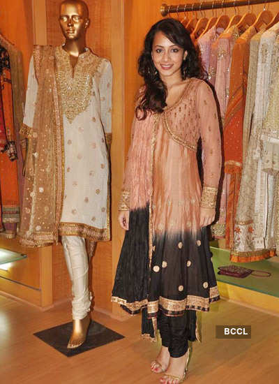Dia Mirza promotes 'Love Break Up Zindagi'