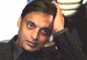 Shoaib Akhtar should apologise to Sachin, Dravid: BCCI
