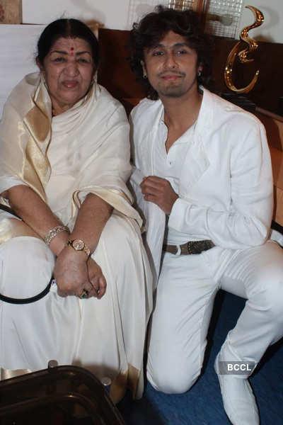 Lata Mangeshkar's 82nd b'day