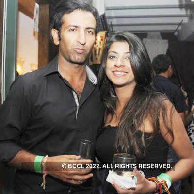 Harem lounge party