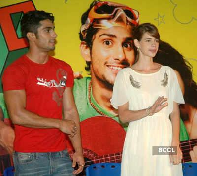 Prateik, Kalki promote 'My Friend Pinto'